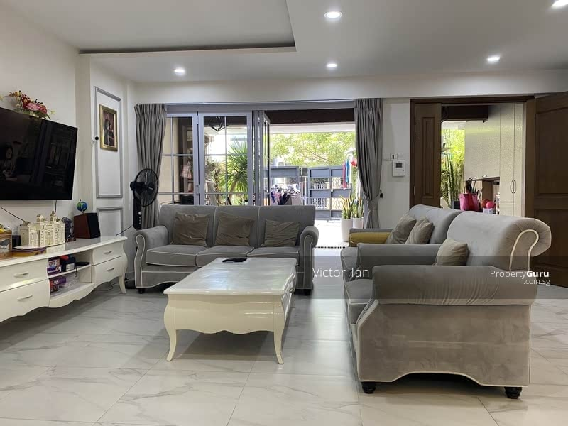 For Sale - Must View! ! Elegant Freehold Terrace with Unblocked View