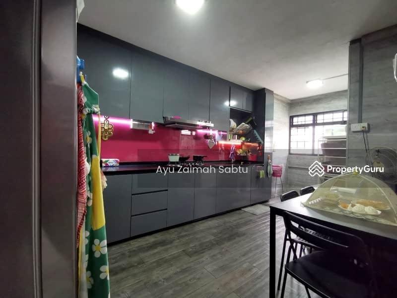 For Sale - 221 Yishun Street 21