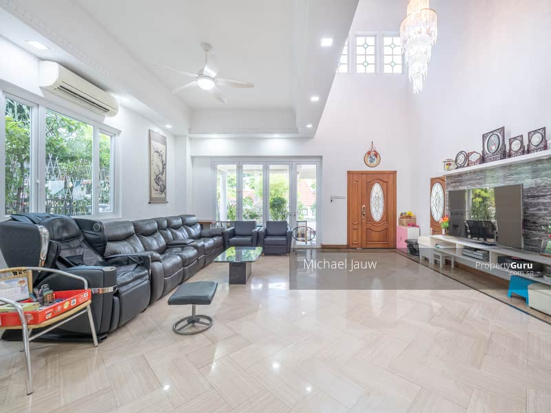 For Sale - Semi-Detached at Kew Drive
