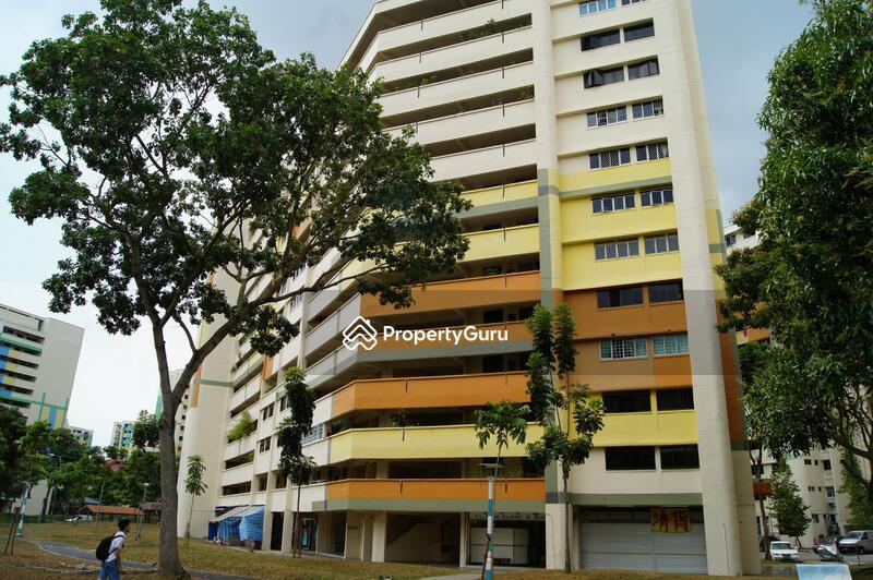 327 Hougang Avenue 5 #0