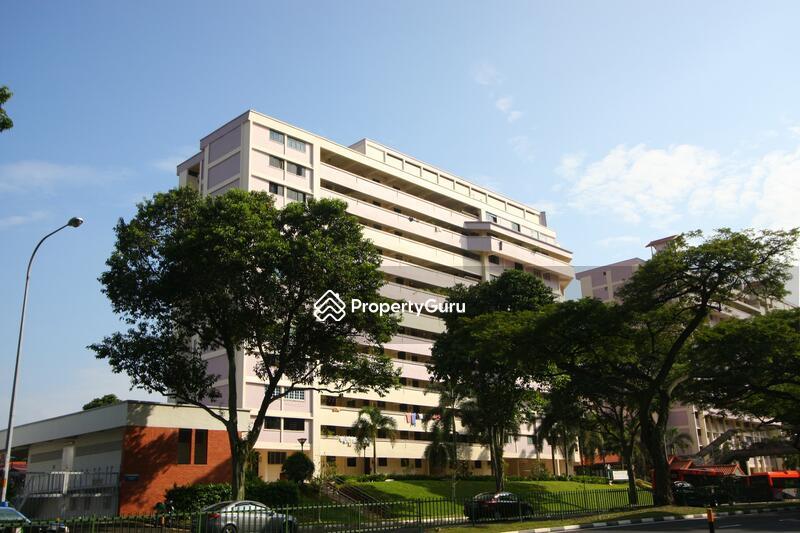 230 Serangoon Avenue 4 #0