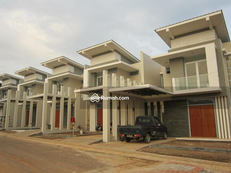 Modern Hill Residence #0