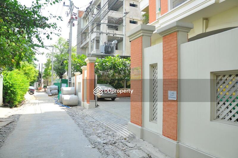 Turn Burry Condominium #0