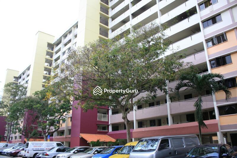 225 Ang Mo Kio Avenue 1 #0